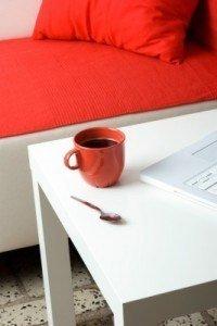 Eine Tischplatte selber bauen? Finde heraus wie du das machen kannst in diesem Artikel!