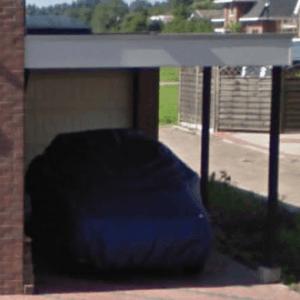 ein Carport gegen ein Haus bauen